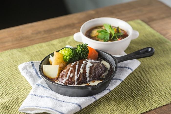 /data/fund/3924/味噌を使用した料理4(ハンバーグ&ミネストローネ).jpg