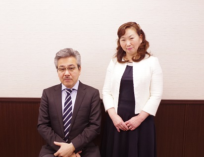 /data/fund/4326/社長と奥様.jpg