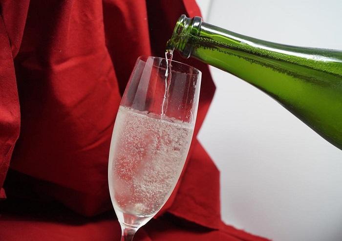 /data/fund/4933/スパークリングawa酒グラス.jpg